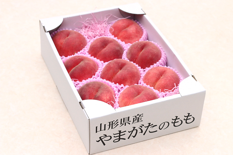 甘くてジューシーな桃は、贈り物にも最適!