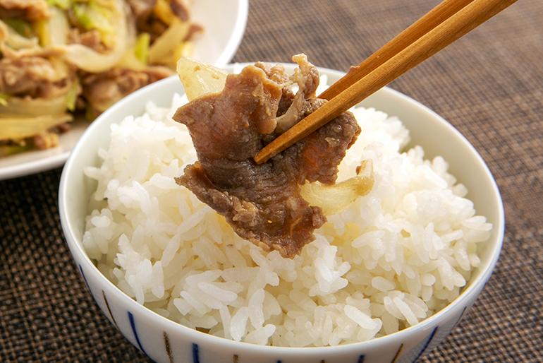 一口サイズで食べやすい、薄切り・味噌タレのジンギスカン