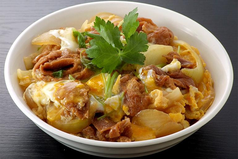 揚げ麩煮付けを、卵とじ丼にアレンジ!