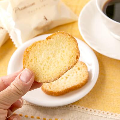 バターのコクとグラニュー糖の甘みが広がります