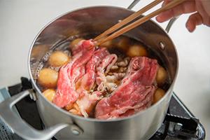 3.牛肉とネギを入れて完成